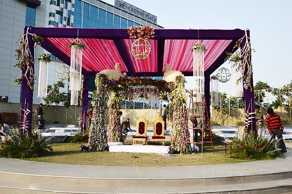 Jk digital photo studio, a team of professional wedding photographers. With many years of experience in wedding photography, video coverage. If you are searching for expert quality world class photographers of wedding parties - by Jkdigitalphotostudio, Noida