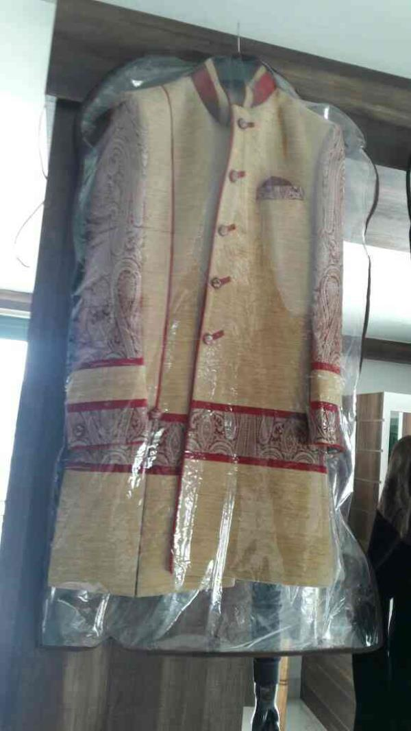 we are the manufacturer of sherwani in ahmedabad - by Pine Tailors, Ahmedabad