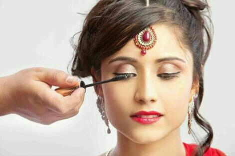 we are doing Braidal Makeup In karaikudi - by Selvi Beauty Parlour, Karaikudi