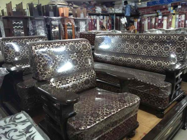 """Malesha model sofa set 3+1+1"""" tack wood market prices 21500 offering price 16800 only colour also available  - by mahadevi furnitures, opp lingampally bus stand A square building , below sony electronics Bhel X Road"""