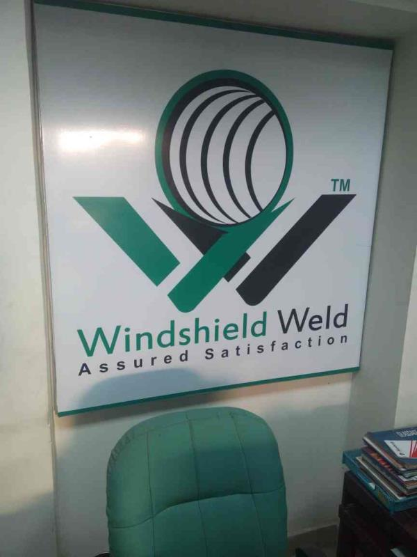 we provide cashless wind screen replacement facility - by Anand Glass & Metals, Faridabad