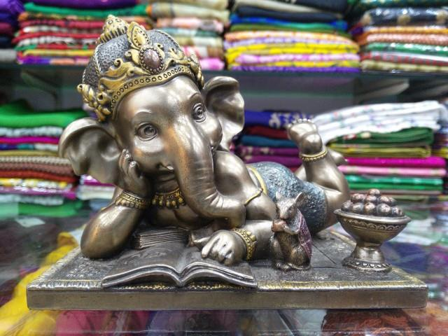 Reading Bronze Ganesha Idol with Hand Made Jewelry is now available @GiftHouse - by Gift House | Online Gifts Store Vizag, Visakhapatnam