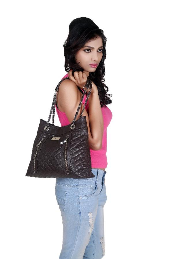 we are Leather Bag Manufacturers and suppliers  in Delhi  we believe in quality products  Contact-Leather Bag Accessories in Delhi - by Chameleon Leather Accessories, New Delhi