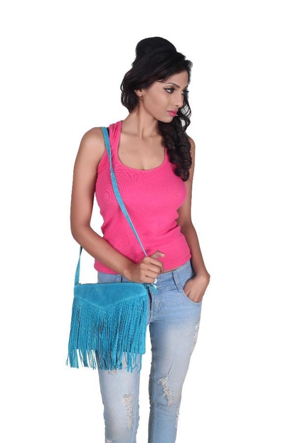 Laptop Bags Manufacturer Supplier and Dealer in Delhi  - by Chameleon Leather Accessories, New Delhi