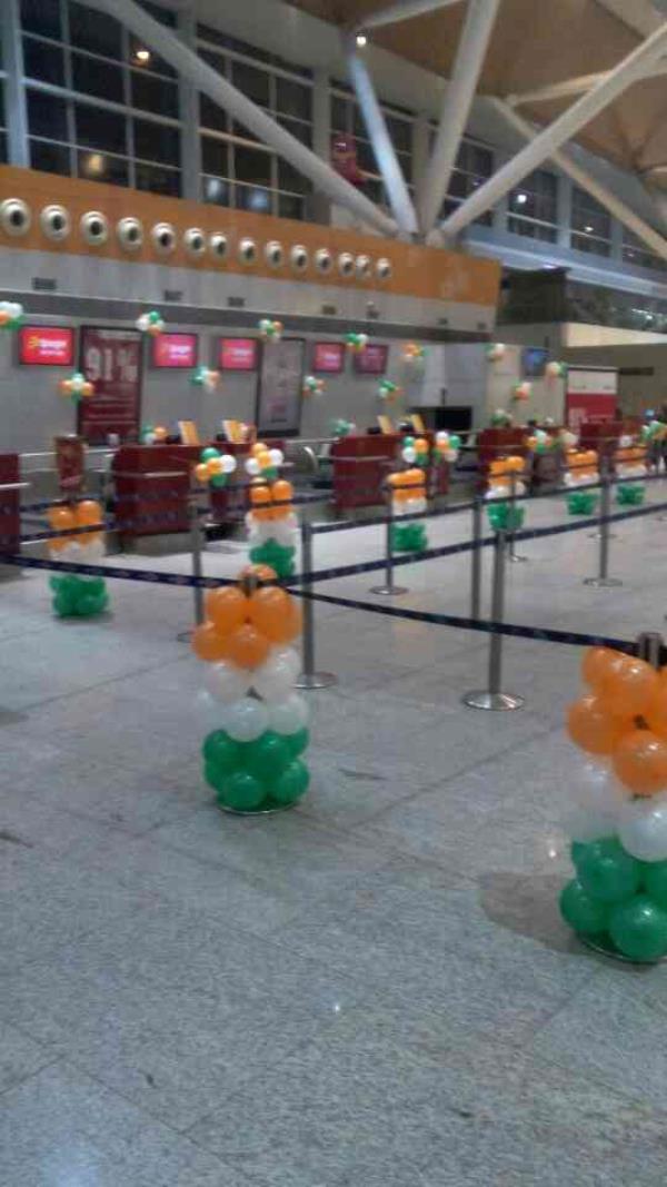 Balloon Decoration @ IGI airport - by Fantasy Decorators, Delhi