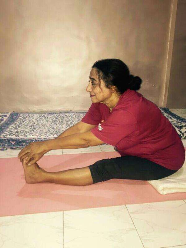 Yoga institute in Seven Bungalows Andheri, Mumbai - by Nirmal Iyengar Yoga, Mumbai