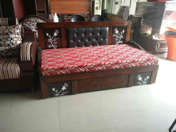 Devon come bad size 6*6 made of wood and cousstion market prices 24900 offering price 19850 only two days  - by mahadevi furnitures, opp lingampally bus stand A square building , below sony electronics Bhel X Road