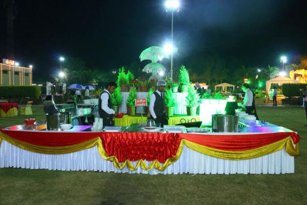parlour for different menus - by Shri Bala Ji Caterers, Indore