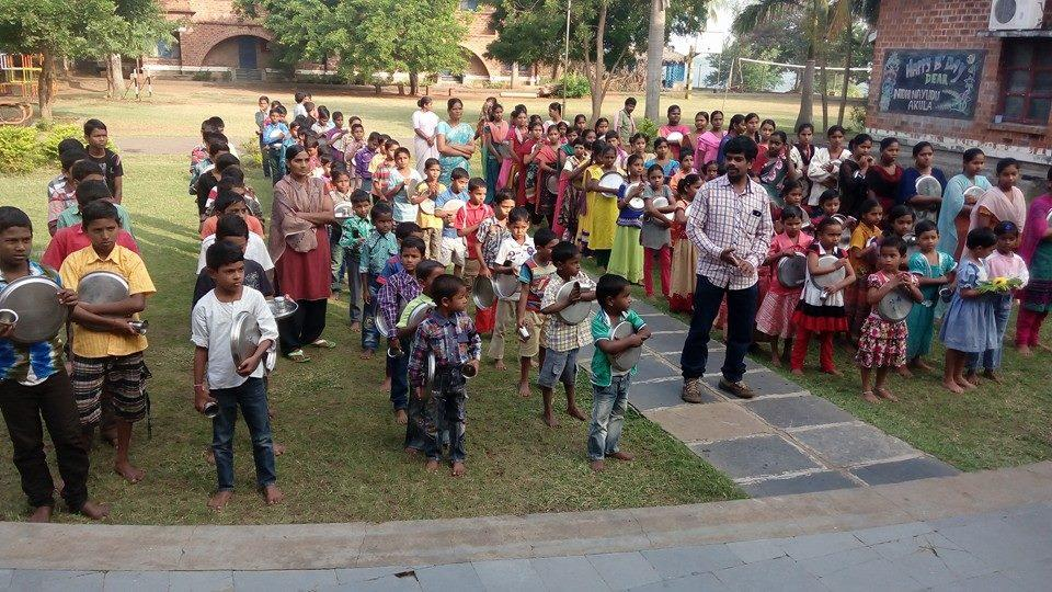 NAVAJEEVAN BALA BHAVAN - NEW LIFE FOR STREET AND WORKING CHILDREN.  A project which supports street, orphan, runaway, missing and working children under difficult situations and different family backgrounds.  Our services to these underpriv - by Navajeevan Bala Bhavan, Vijayawada