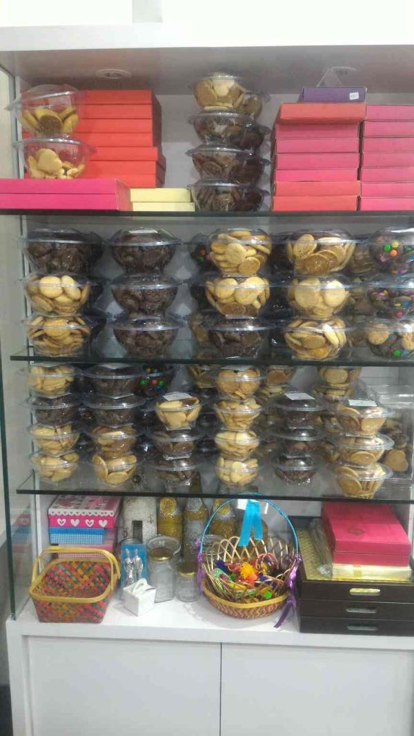 want delicious cookies, cakes, chocolates etc in one roof plz come to visit at our place..  Vanilla The Cake Shop  19, galaxy bazaar, himalaya mall to vastrapur road, bodakdev ahmedabad  - by Vanilla The Cake Shop , Ahmedabad