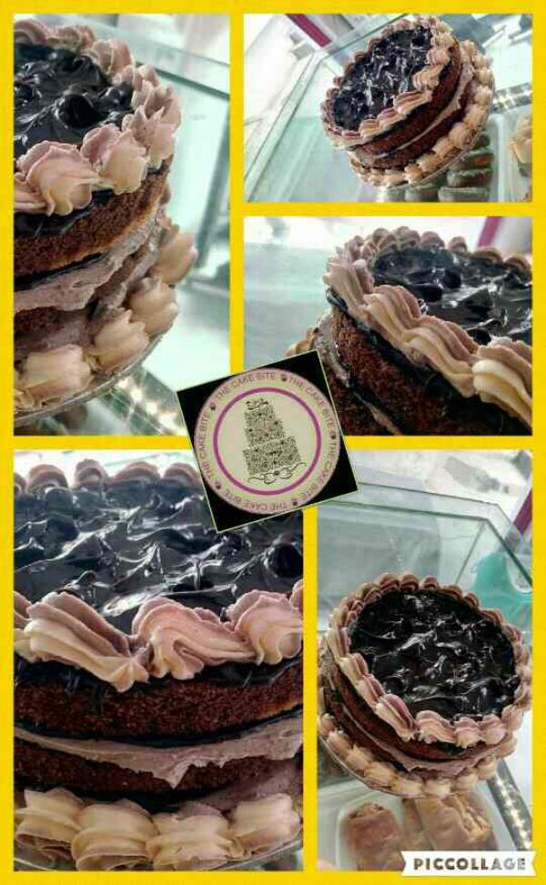 #Tcb #thecakebite #chocolate #cake with #butter #cream best #Bakery in #shaibabad - by The Cake Bite, Ghaziabad