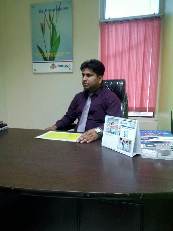 Vivek Singh Director - by Bansal Tutorials, Delhi