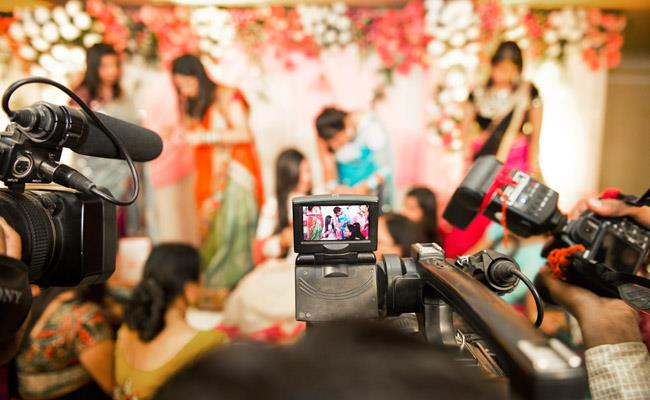 Candid photographer in Pitampura. Best candid photographer in Pitampura. Candid photography in Pitampura. Candid photographer in Pushpanjali Enclave. Best Candid photographer in Pushpanjali enclave, Pitampura. - by King Digital Studio, Delhi