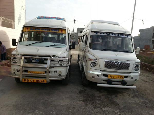 delhi airport to agra taxi 9953851234,   new delhi station to agra taxi 9953851234,   karol bagh to agra taxi 9953851234,   delhi nizamuddin to agra taxi 9953851234,   nizamuddin railway station to agra taxi 9953851234,   new delhi station  - by DELHI TO AGRA INNOVA TAXI 9953851234, North West Delhi