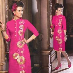Chanderi Fabric Kurti in Chandigarh  Chanderi Fabric Kurti offered comes in exciting design choices and meet the demands of customers who want to look different.   Features:   Match up to demands of ladies who want something new and eye cat - by Sunita Boutique, Chandigarh