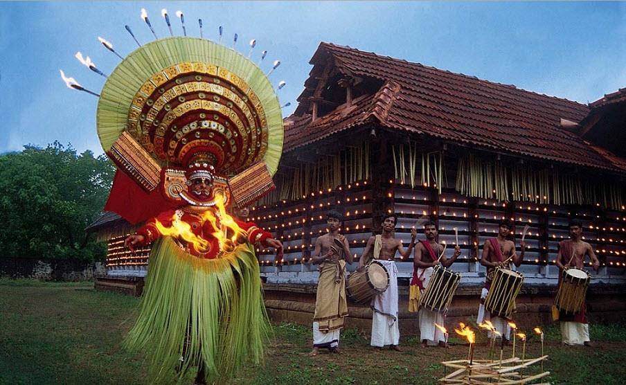Information about Theyyam in kannur  www.keralatourism.org/theyyamcalendar/temple.php?id=65  www.keralatourism.org/video-clips/puthiya...theyyam/182  www.keralatourism.org/theyyamcalendar/temple.php?id=41 - by Swamykovil-keecheri-kannur, Kannur