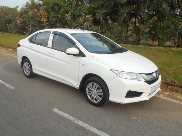 Pride Honda Autoterrace display Certified Honda City I VTEC petrol driven 13000kms , Best in Hyderabad and Secunderabad,  One year Warranty, Certification from Honda  For more details contact us - by Honda Auto Terrace, Hyderabad