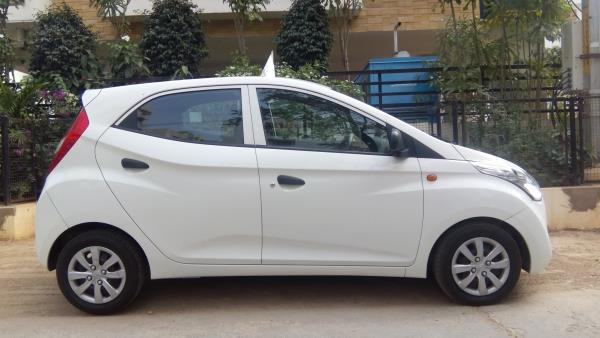 Hyundai Eon Magna Plus, 2013/December, well mainatained, White colour with Power steering, Front Power Windows, Just drivenn 9700kms, excellent condition call for more details or Walk in and enjoy the drive  - by Honda Auto Terrace, Hyderabad