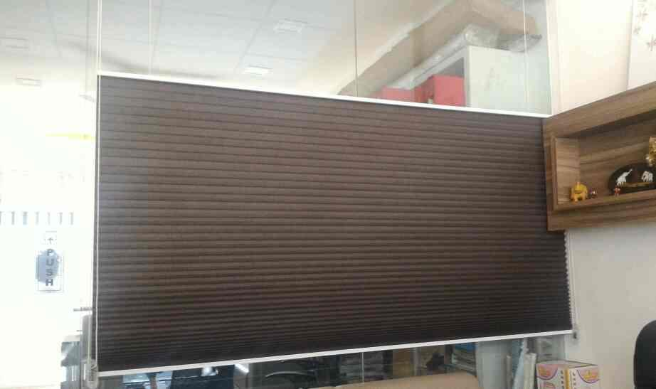 honeycomb blinds for office interiors  - by Raj Interior Hub, Ahmedabad