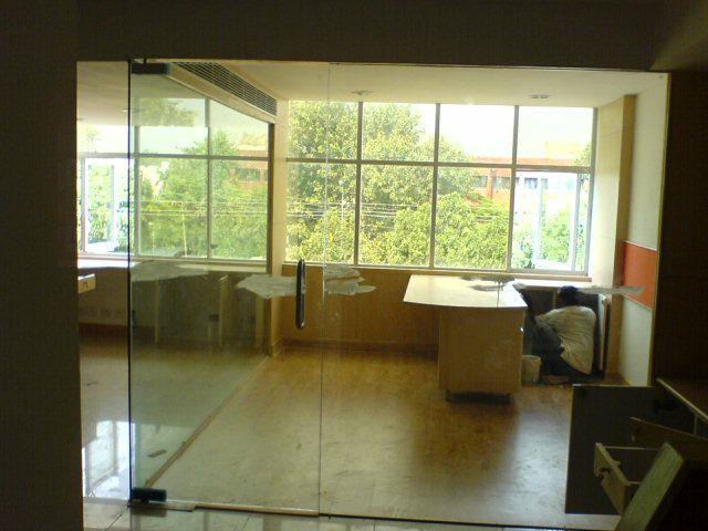Toughened Glass  In ludhiana - by R S Fabricators, Ludhiana