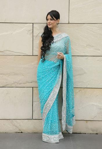 Priyanka Suits and Sarees has the finest collection of elegant and designer Indian wear. Explore our fresh collection of designer sarees featuring the best designs. Quality is our motto and customer satisfaction our goal. Priyanka Suits a - by Priyanka Saree & Suit Co.Shop | 9997235113, Gautam Buddh Nagar