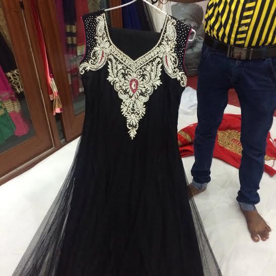 Ladies Suit Designer Lajpat Nagar--                             Get the latest salwar, salwar kameez for causual wear, party wear, wedding wear. Buy pretty designer ladies suits & designer salwar kameez here at dynamic garment in Lajpat Nag - by ladies suits designer in Delhi/9873974963, New Delhi