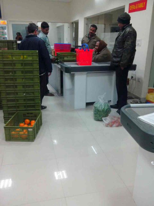 Fruits and vegetables vendors in Sahibabad - by Hind Trading Company, New Delhi
