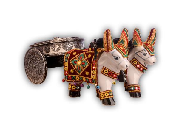 Decorative wooden cart - by Navrang Handicraft, Rajkot