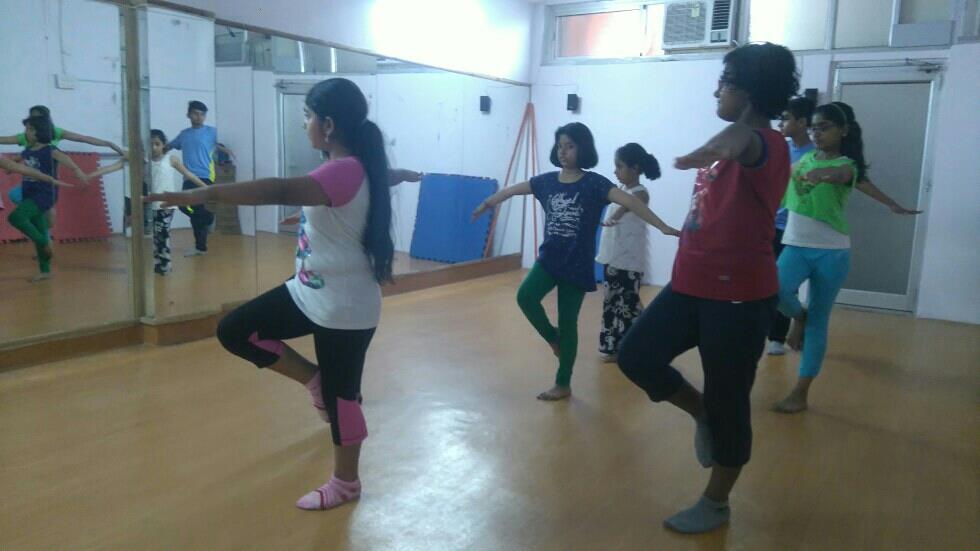 passe jump Versatile student dwarka - by Versatile Dance Academy  +919871771205, New Delhi