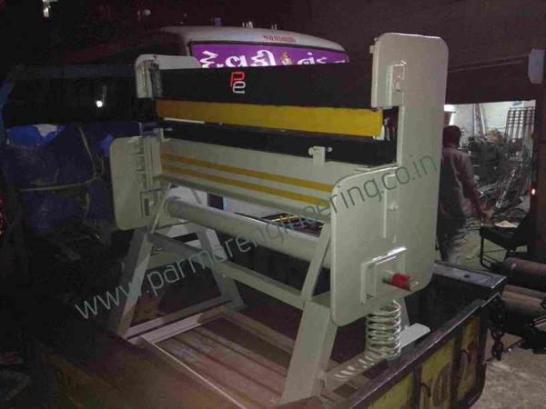 We are Manufacturer of HAND FOLDING MACHINE In India. and we are used best quality material and we also providing best service to our customer.  we are also best Supplier of Hand Folding Machine in India. - by Parmar Engineering, Rajkot