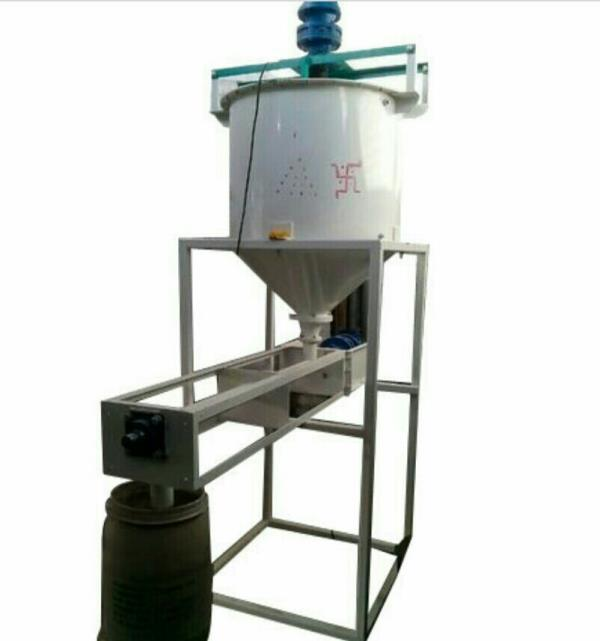 Starch Powder filler machine available at Parmar welding works in Rajkot , Gujarat , India - by Parmar Welding Works, Rajkot