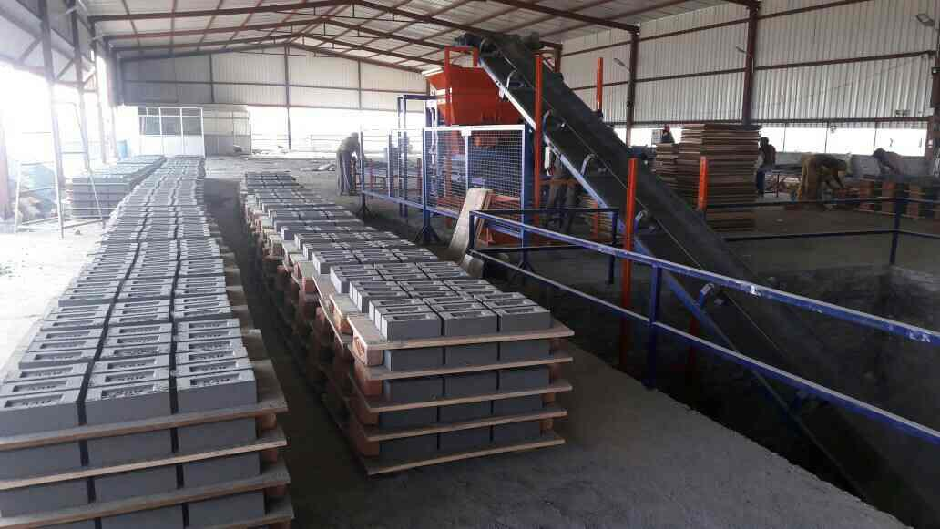 """""""Automatic fly ash Brick plant"""" Now available in 4 flyash Bricks at time to 60 Flyash Brick at a Time, We are manufacturers of fully automatic flyash Brick plant in India.  - by interlocking paver block making machine, Delhi"""