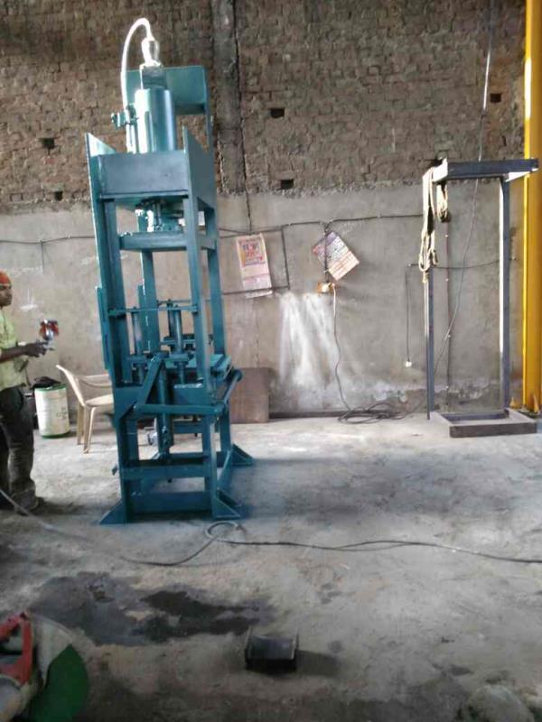 we are fly ash brick making machine in Ahmedabad.  - by Laxmiengg, Ahmedabad