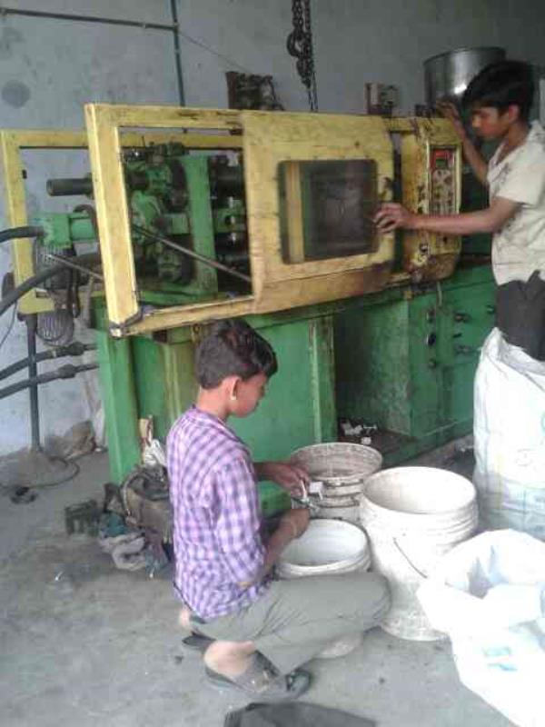 we are leding supplier of plastic parts in ahmedabad. - by Vishva Ent., Ahmedabad