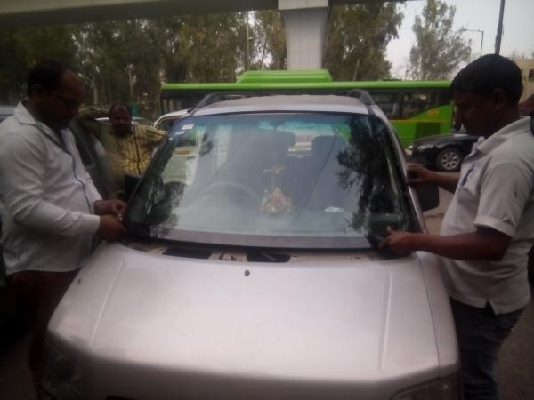 WINDSCREEN HOUSE +919899444300  FOR ALL CAR GLASS REPAIR IN DELHI NCR CONTACT US NOW FOR BEST DEAL - by Windscreen House, New Delhi