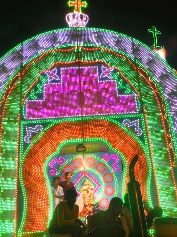 led modern lightings in dindigul - by Vetri Matha Event, Dindigul