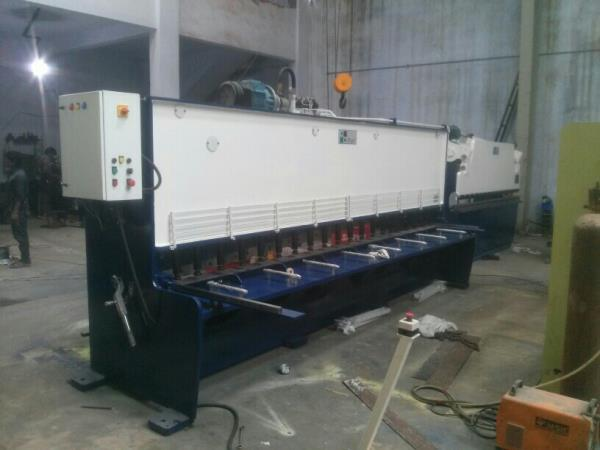 iPan Brand Hydraulic Shearing Machine & Hydraulic Press Brake for sheet metal Forming work at Ahmedabad.   Leave your inquiry at inquiry@ipanindia.com  visit our website at www.ipanindia.com  - by Ipan, Bakrol Bujrang