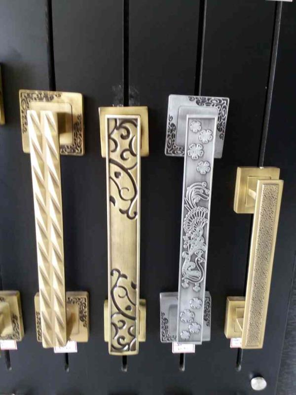 Cabinet Door Handle Supplier in Rajkot With Good Quality Of Raw Material  - by World Interior, Rajkot