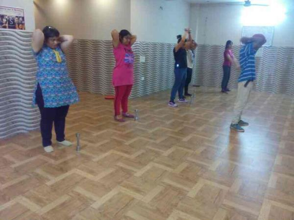 Weight training session!  - by Best Dance And Aerobics Classes In Delhi @ 8376938252, Ghaziabad