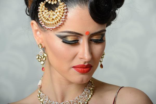 airbrush makeup artist in noida airbrush makeup artist in delhi top 10 makeup artist in delhi  - by Vijay Laxmi Makeup Artist | 9540520521, Gurgaon