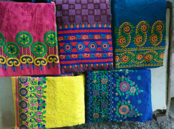 700 - by Mayur Fashions, Jetpur