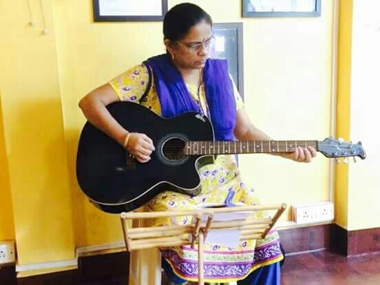 Adult Guitar lessons - by INSTITUTE OF MUSIC DISCIPLINE, Mumbai