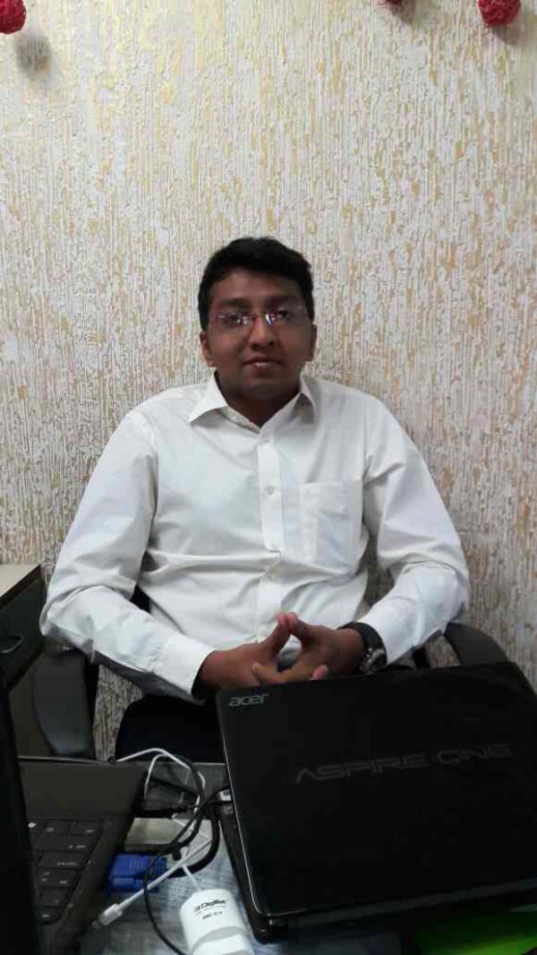 I am Himay Gandhi , career consellor of Maninagar branch Ahmedabad - by Arena Animation, Ahmedabad