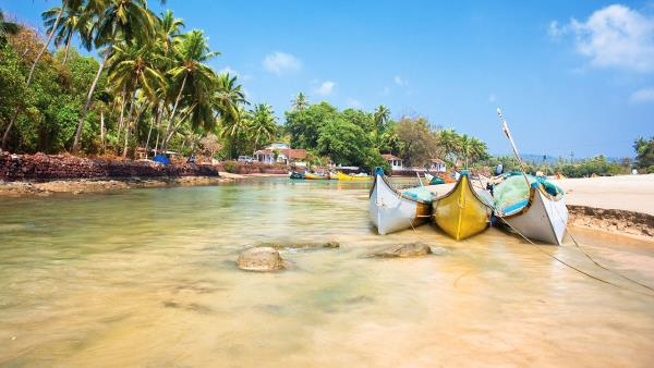 Bored of going to Mountains, now take a tour at Goa beaches for just  Rs. 7, 999 for 3 Nights/ 4 Days only at Funseasonal. Goa is a popular tourist place in Maharashtra. A large no of domestic and international tourists travel to goa for a  - by Cheap travel packages @9873937953, Faridabad