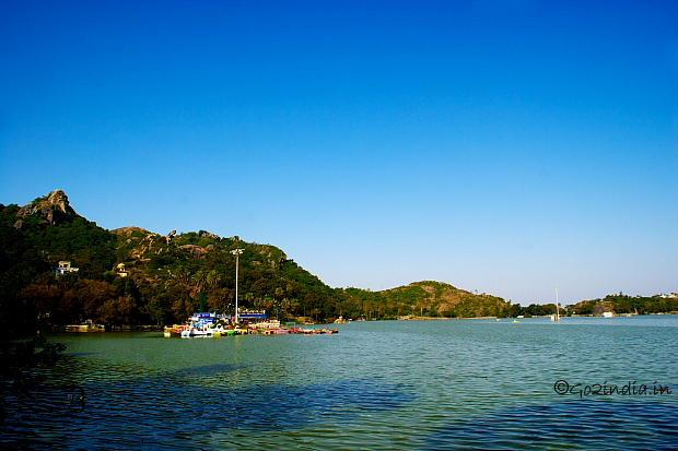 An oasis in the sand dunes of Rajasthan, Mount Abu a hill station in Rajasthan. You can visit Dilwara Jain temples, Wildlife Sanctuary which has various species of flora and fauna, famous Nakki Lake a prehistoric and a sacred lake. Best thi - by Cheap travel packages @9873937953, Faridabad