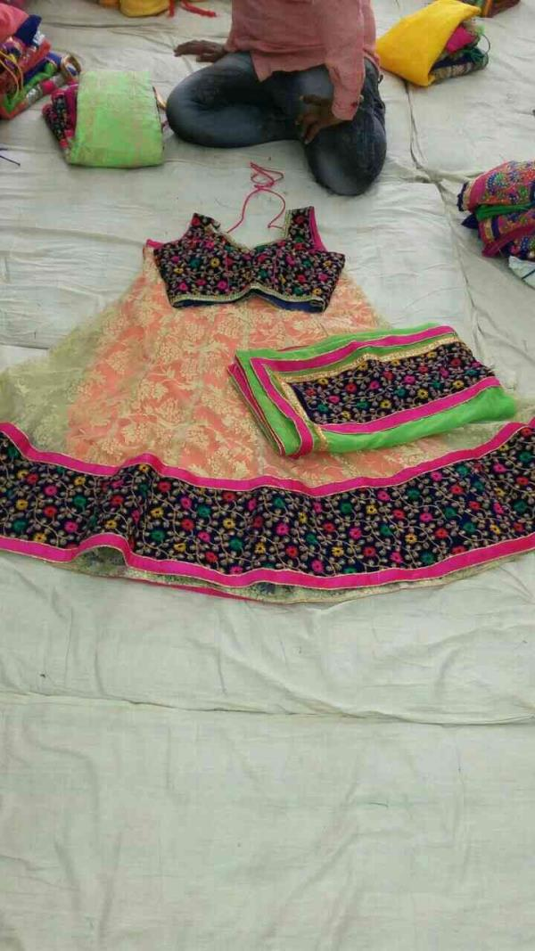 If you are looking for fashionable chaniya Choli come at us Dabhi Brothers & Co. - by Dabhi Brothers & Co., Vadodara