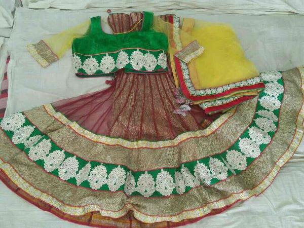 Verity Chaniya choli in Vadodara at very surprising rates. Dabhi brothers & co. - by Dabhi Brothers & Co., Vadodara