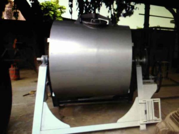 we HK Associates believes in best quality product for chemical industries product are like ball mill machine , vessel etc. in Ahmedabad - by H.K Associates, Ahmadabad