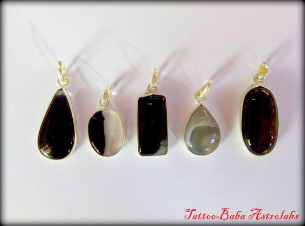 BLACK ONYX PENDANT (काला हकीक पेंडेंट ) Shine your life with Tattoobaba Astrolabs Best Astrologer in Jaipur Healing with Gemstones - by TattooBaba Astrolabs, Jaipur