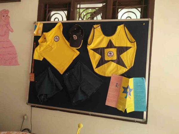 kidzee Uniforms - by Kidzee, Madurai